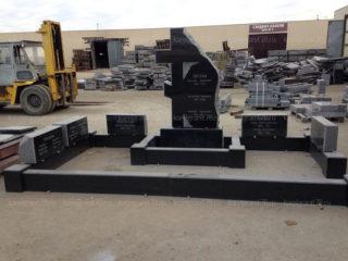 Изготовление памятника в октябре 2016