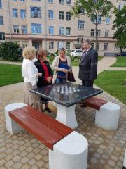 Производство памятников Карелгранит стало участником эстетического благоустройства сквера в Ленинградской области